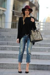 Ripped-Boyfriend-Jeans-For-Women-Street-Style-6