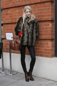 la-modella-mafia-Model-Off-Duty-Street-Style-Fall-2012-Leopard-Print-Trend-8