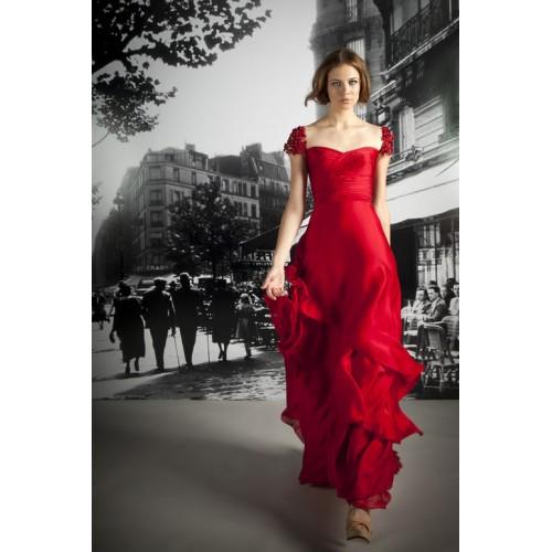 De sărbători, poartă rochii roşii!