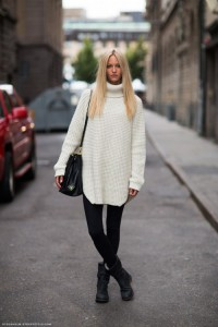 pulover supradimensionat  pantaloni skinny