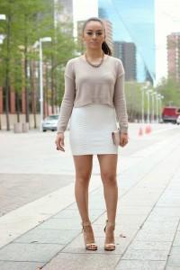 pulover scurt peste rochie