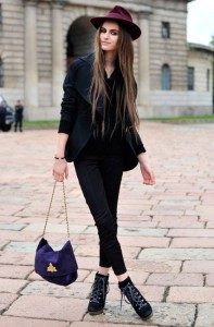 tinuta neagra geanta colorata 2