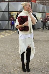 geanta de blana outfit feminin3