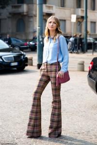 pantaloni evazati 70s style