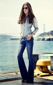 pantaloni evazati + camasi din denim 4 double denim trend