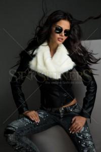 Jacheta Mexton Warm Portrait Black