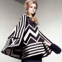 Ultimul trend marca Fashion Week- grafismele in alb si negru