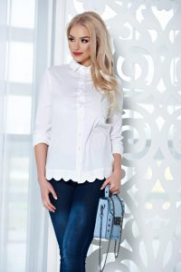 b65cd860d2 Ötletek arra, hogyan viseld a fehér inget | StarSBlog - StarShinerS ...