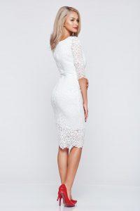 b988459be9 Fehér StarShinerS alkalmi hímzett ruha dekoltázzsal csipkés anyagból